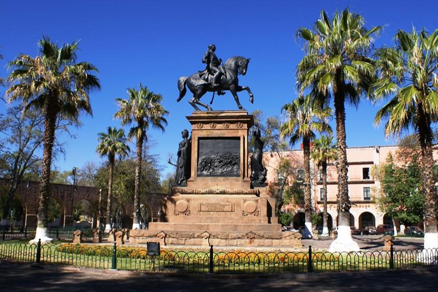 Monumento ecuestre del Generalísimo Don José María Morelos y Pavón en Morelia.